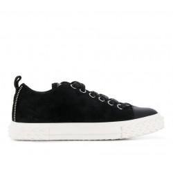 Sneakers Blabber